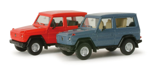 Mercedes Benz G-class with closed roof, metallic