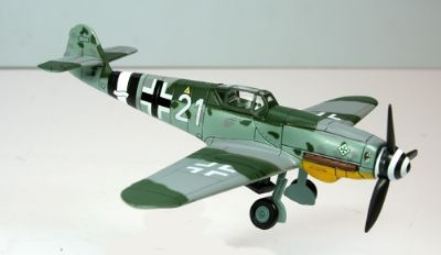 MESSERSCHMITT BF109 K-4 RED 7