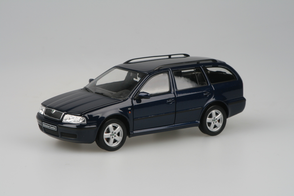 Škoda Octavia Tour Combi Deep Sea Blue Mett