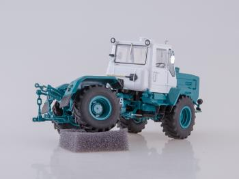 Tractor T-150K-1